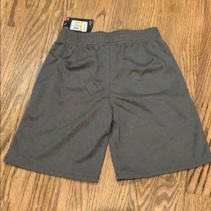 Under Armour Bottoms - NWT Boys Under Armour shorts